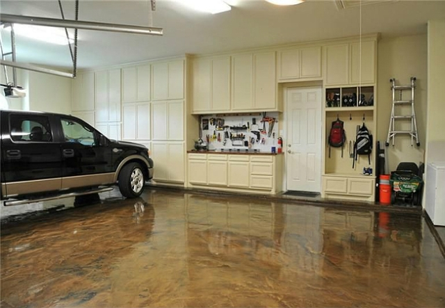 Hire an Expert Concrete Contractor for installing a Garage Pad